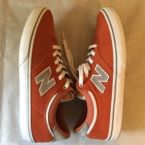 New Balance NM255 shoes. Like new, worn once.